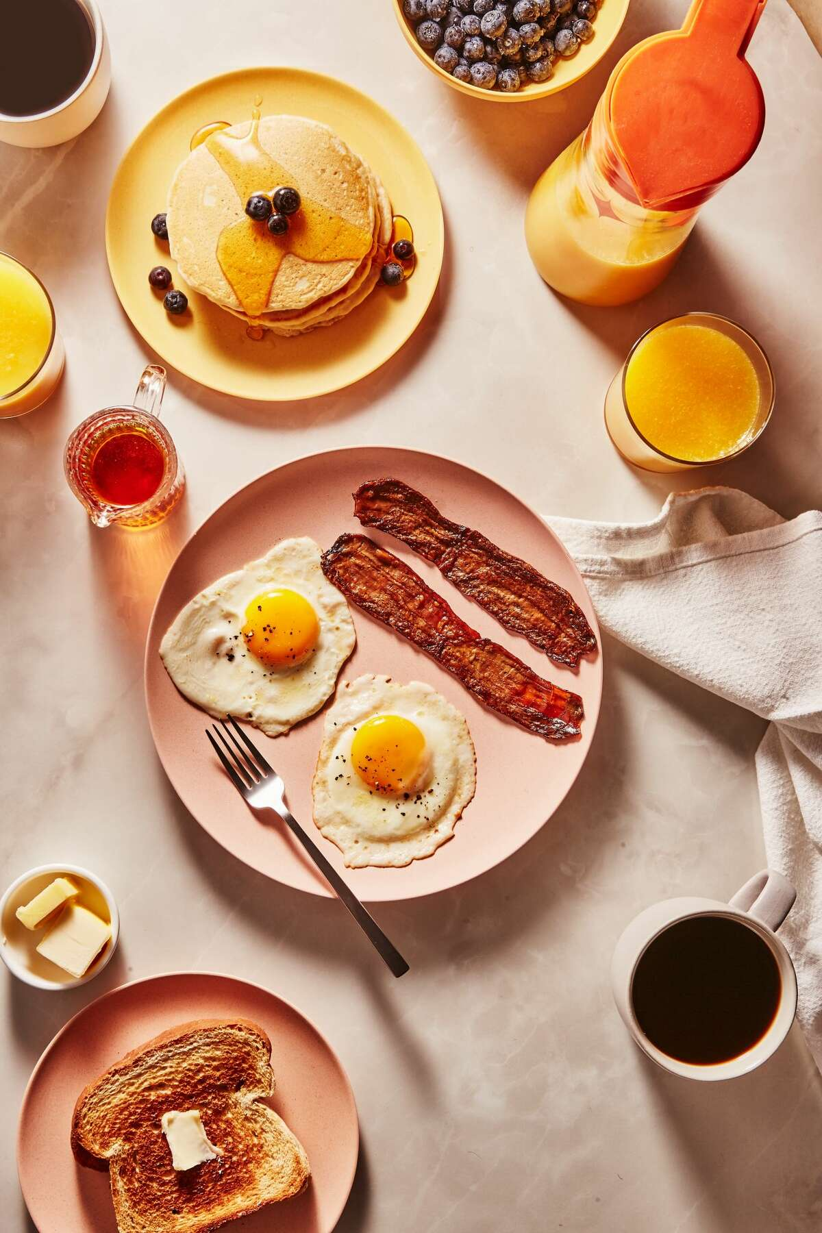 A breakfast scene photographed by Tom Eberhardt-Smith.