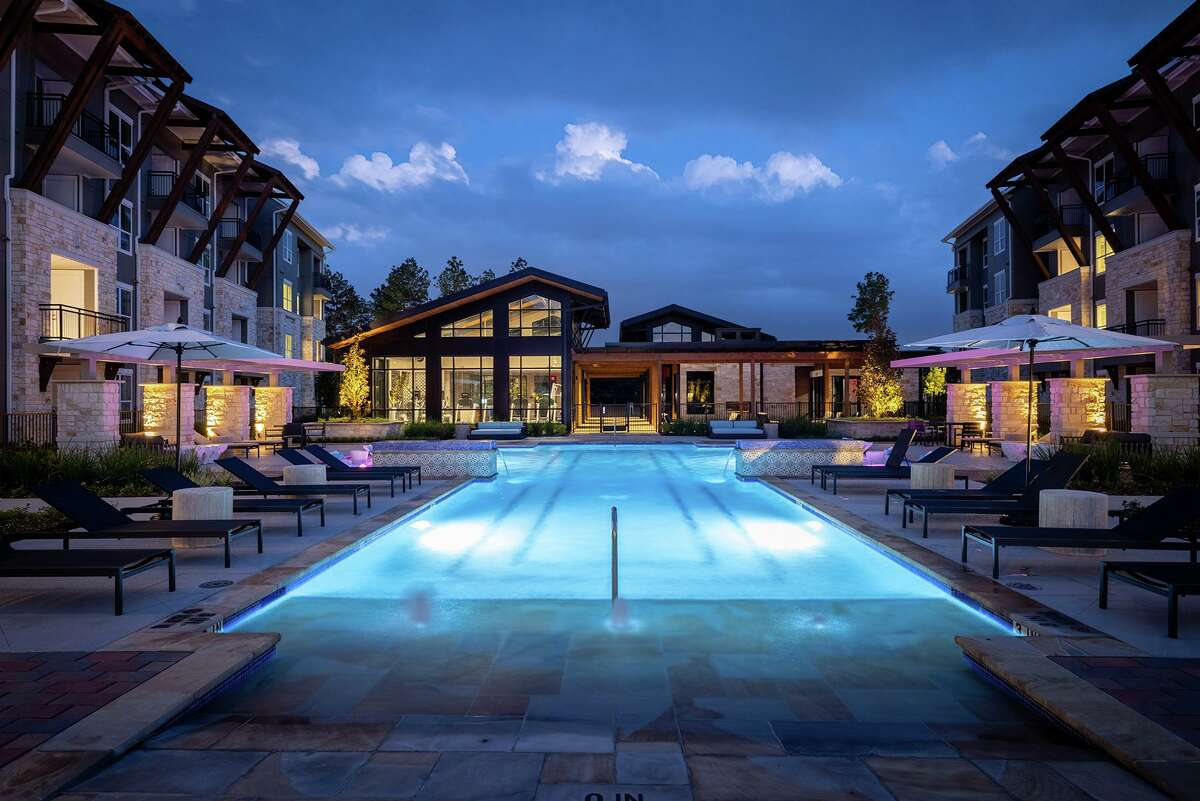 The Howard Hughes Corp. has recently marked the official grand opening of Creekside Park The Grove, the newest multifamily residential community in Creekside Park Village Center in The Woodlands.