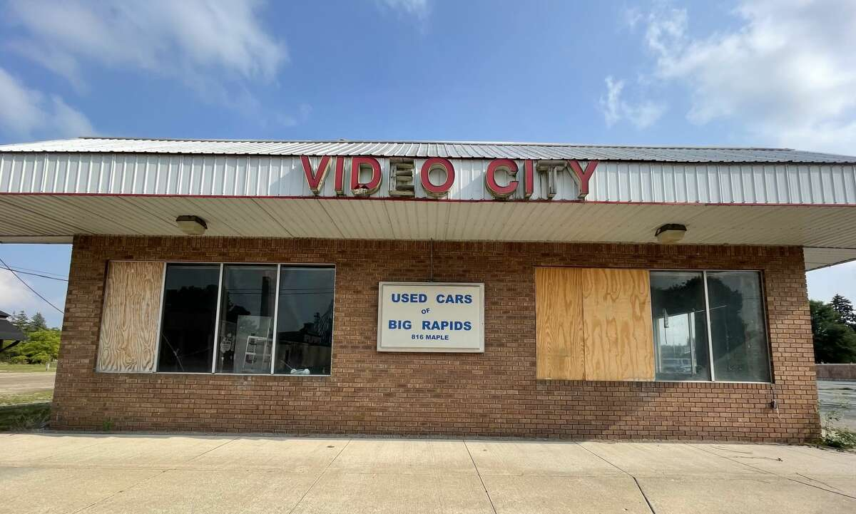 The Video City business at 816 Maple Street has not been in operation for about 10 years, and the building now stands empty. Originally built in 1948, the building suffered damage from fire and a tornado during its lifetime.
