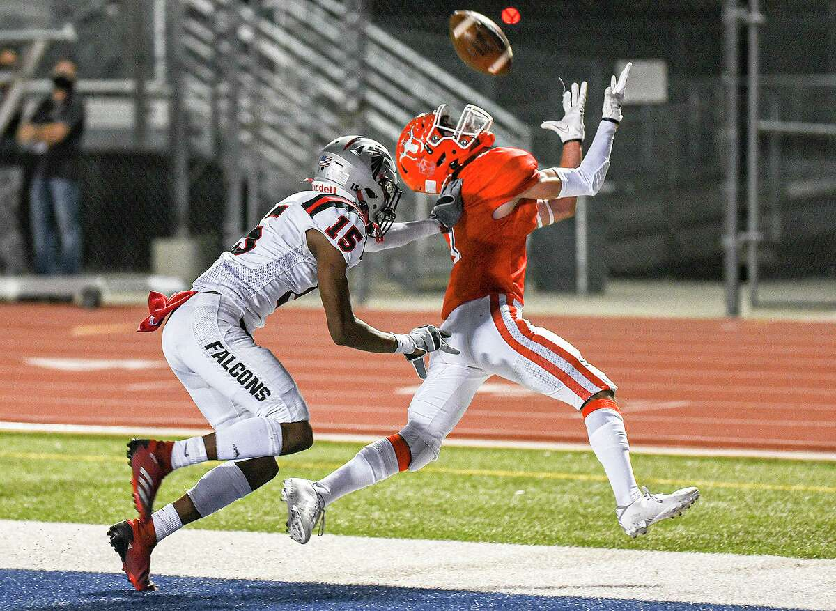 The United Longhorns have a handful of options to hopefully replace former No. 1 wide receiver Tanner Sanchez.