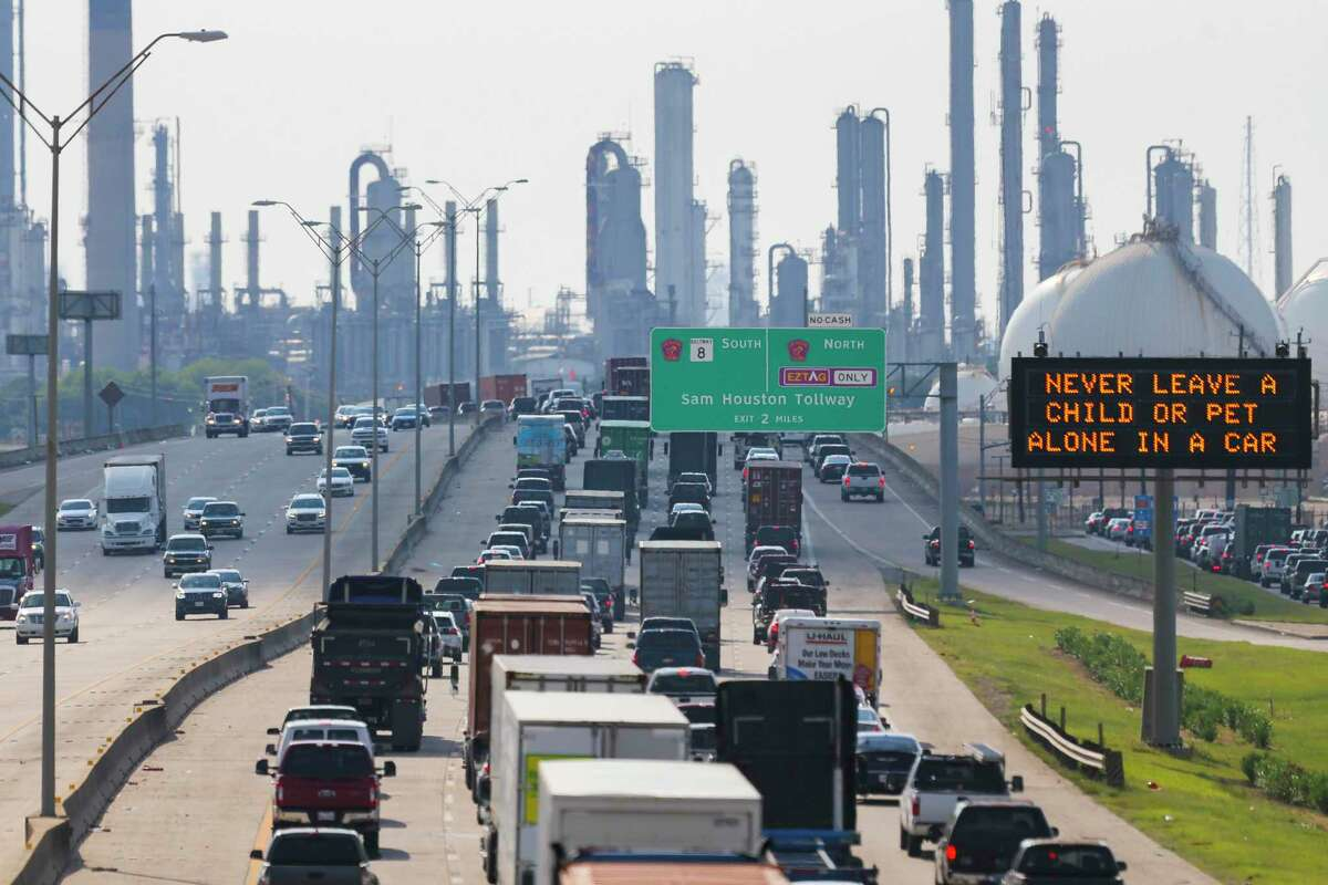 Westbound traffic backs up along Highway 225 where refineries and metro-chemical facilities line the ship channel, Thursday, Aug. 2, 2018 in Deer Park.