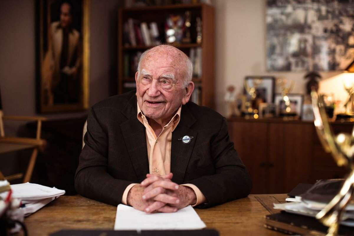 American actor, vocalist and former president of the Screen Actors Guild, Ed Asner, is the spokesperson for Saltbox TV.