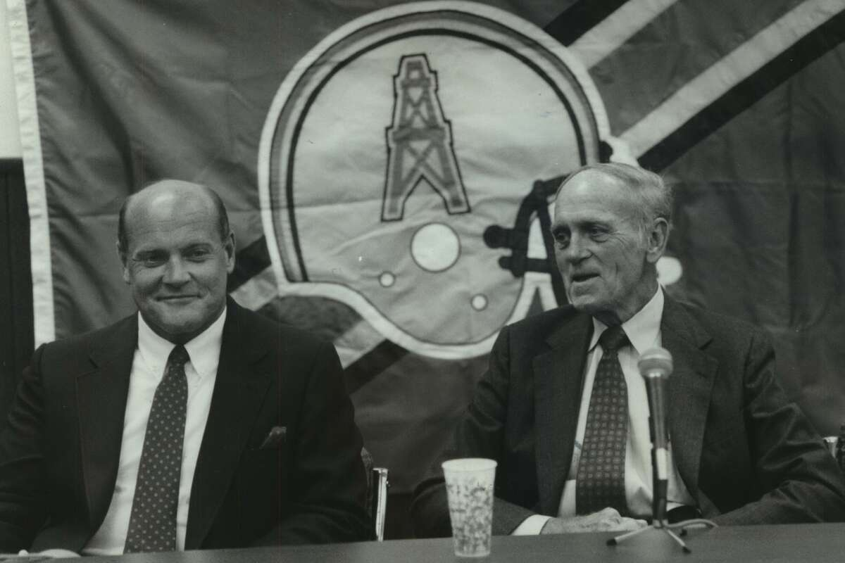 After serving as the assistant general manager to Mike Holovak, Floyd Reese (left) was the Oilers' GM for their final three seasons in Houston and stayed with the franchise until 2007. Reese died Saturday at age 73.