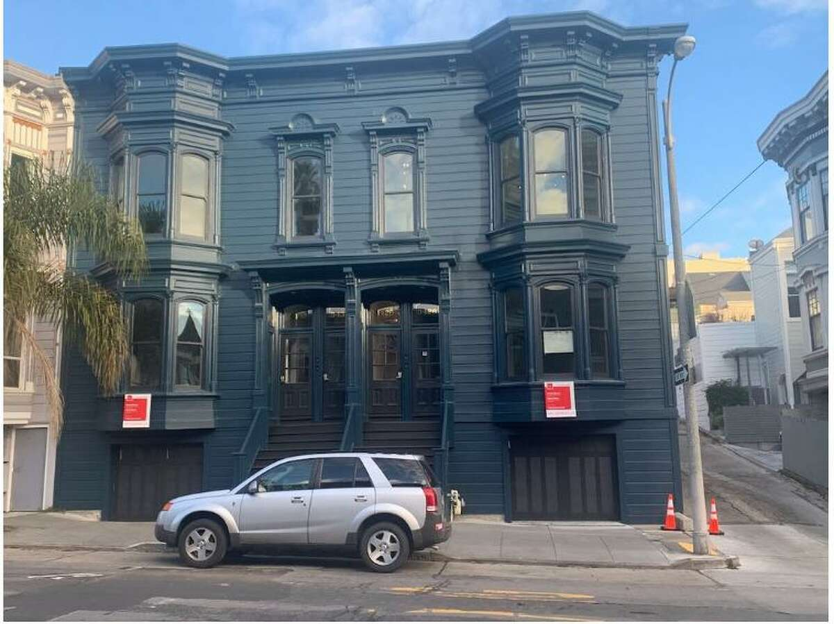 The four-unit building at 3426-3432 22nd St. was at the center of a fight between former Planning Commissioner Dennis Richards and the Department of Building Inspection.
