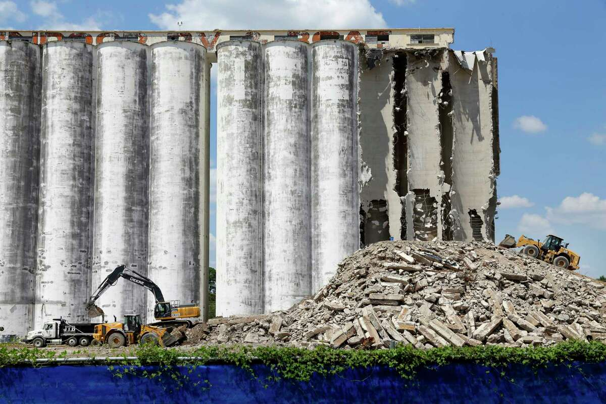 Demolition continues on the grain silos north of I-10 at 1140 Lumpkin Rd. Aug. 24, 2021, in Houston, TX.