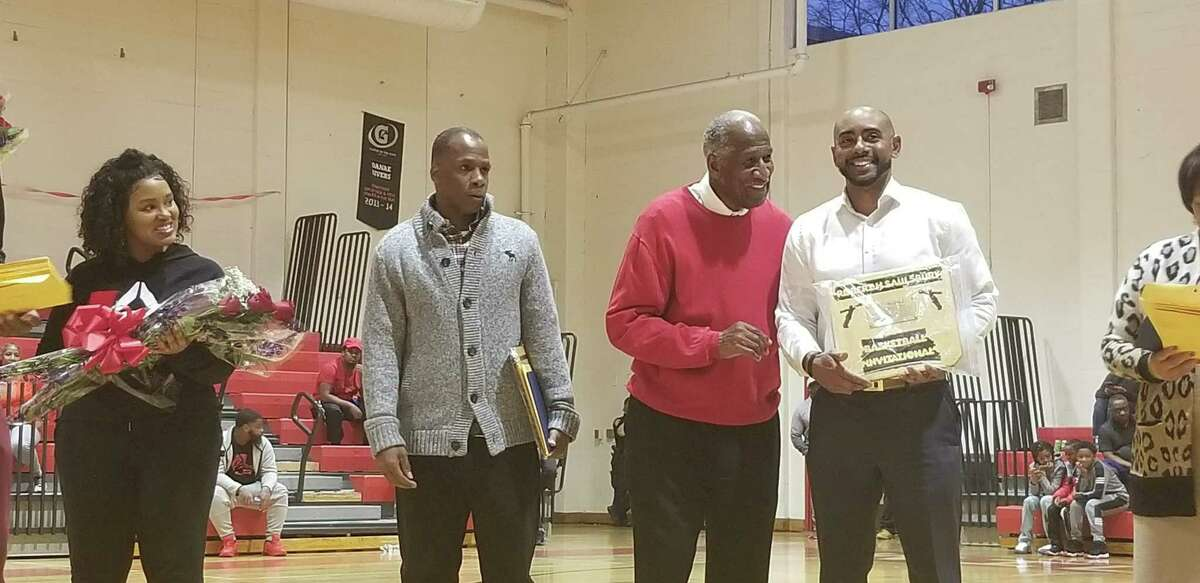 Ex-Wilbur Cross standout Troy Bradford, right, here at the 2019 Bob Saulsbury Invitational, will be the head basketball coach of the Connecticut Cobras of The Basketball League.