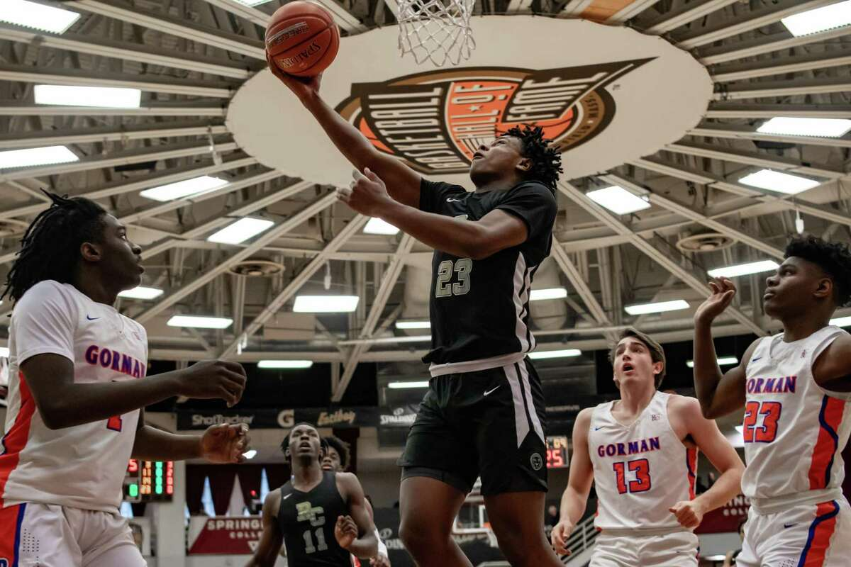 UConn made the arrival of Corey Floyd Jr. official on Wednesday as the 6-foot-3 guard reclassified to the class of 2021.