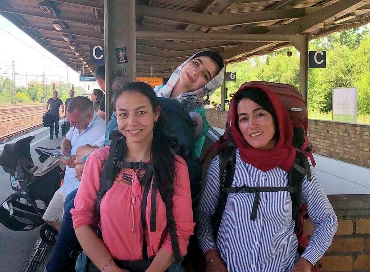Afghan mountain climbers arrive in Berlin for a visit: Mariam Muhammadi (left), Shogufa Bayat Haidari and Hanifa Yousoufi.