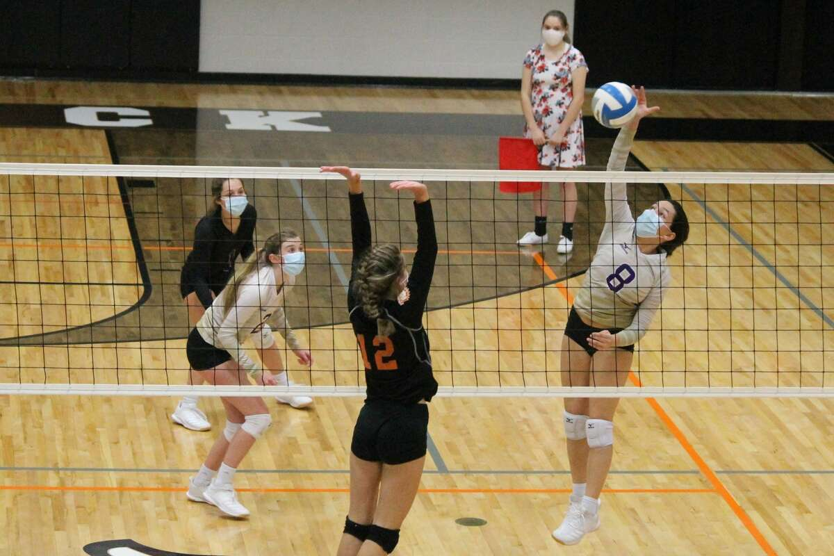 Gracie Walrad enters the season as the Panthers' top returning outside hitter.