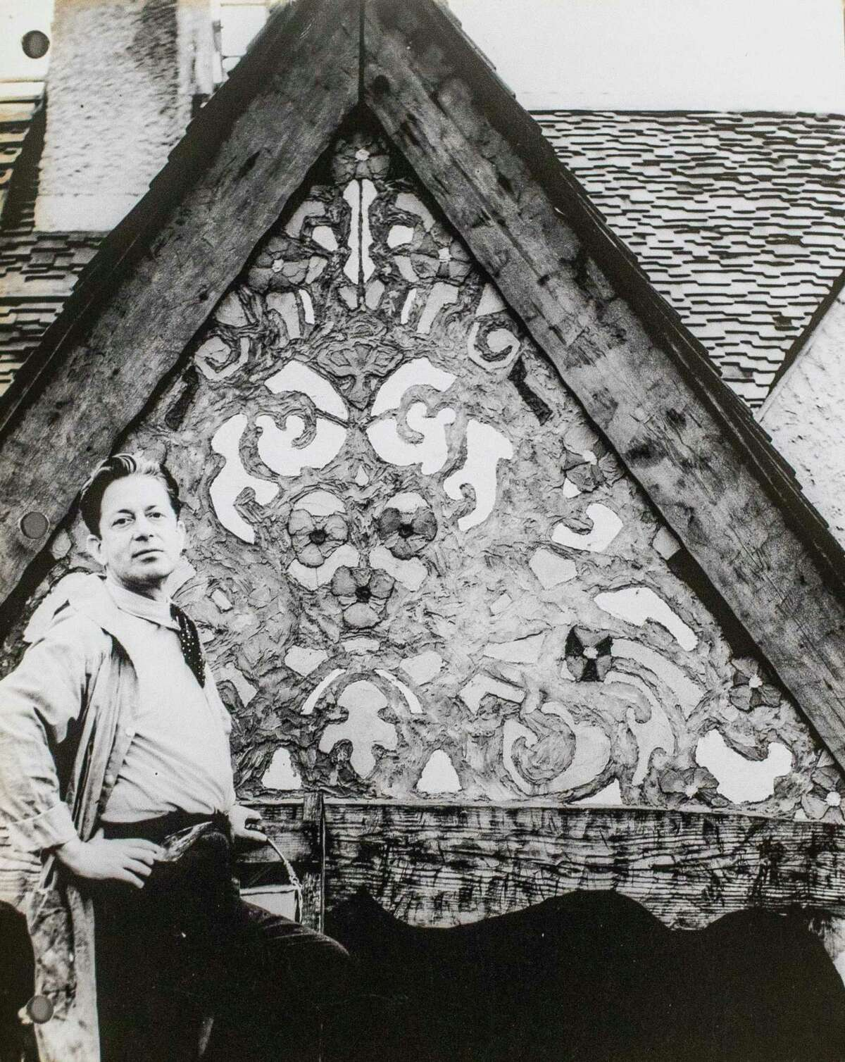 A photo from September of 1925 shows the original mural on the front of the former home of Willard Dow and his family, located at 923 W. Park Drive and now owned by Janet and Irving Snyder. (Photo provided/Janet Snyder)