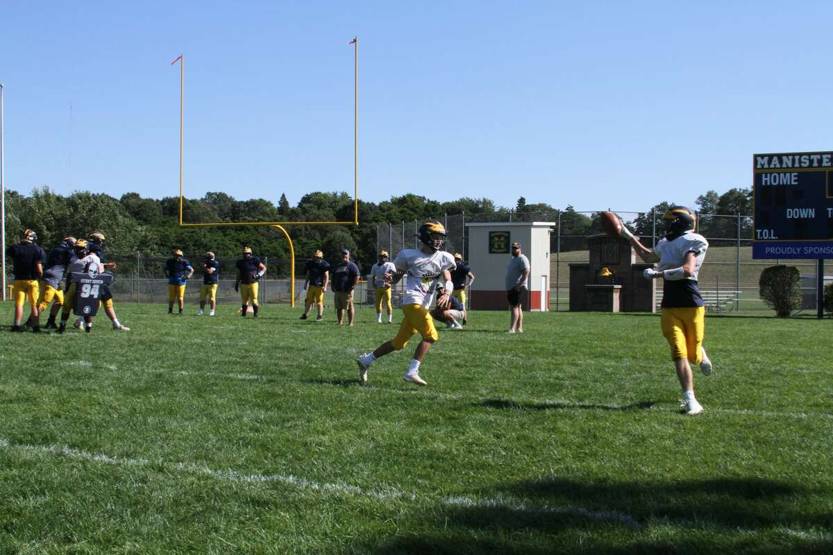 The Manistee Chippewas go through intense practice drills in August. (McLain Moberg/News Advocate)
