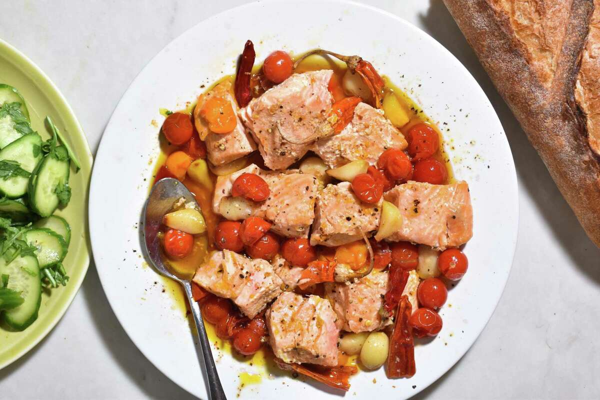 Vinegary, Chile Oil Salmon With Garlic and Tomatoes.