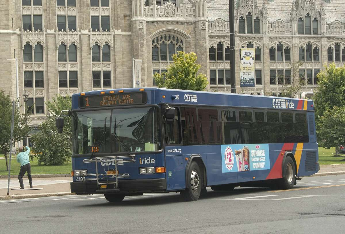 Stewart's will offer its employees CDTA bus access.