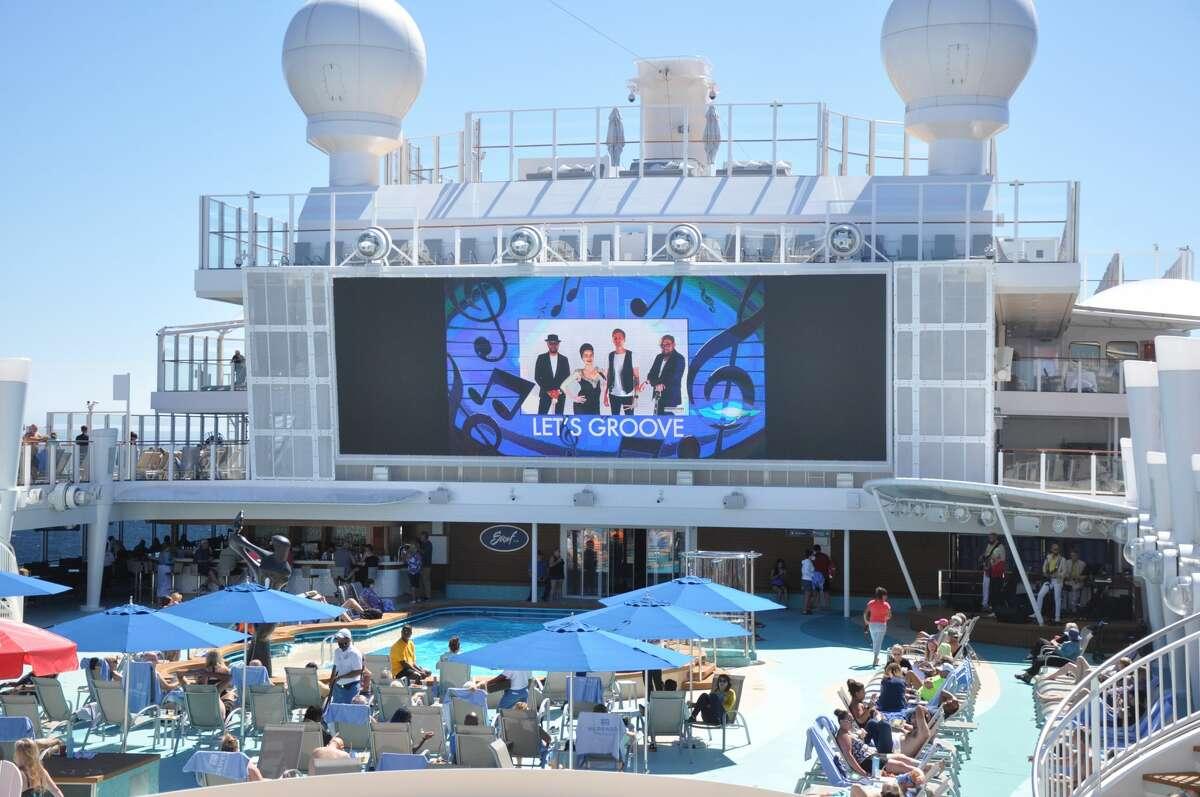 Entertainment on the pool deck of Norwegian Encore