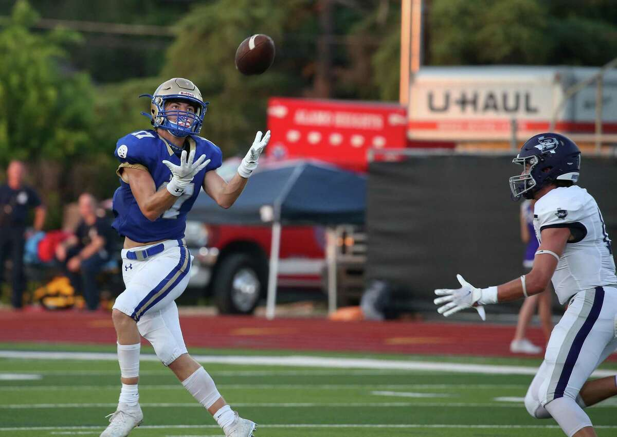 Alamo Heights Beau Klebert is all alone on this pass reception. Boerne at Alamo Heights on Friday, August 27, 202. Boerne 23, Alamo Heights 20 at halftime.