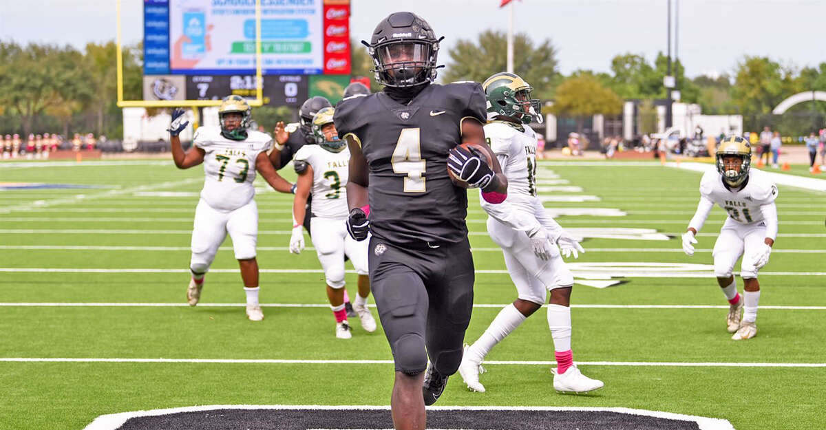 Cypress Park High School senior linebacker Harold Perkins joined teammate Nate Livingston in being the first two Tigers named to the UIL High School Preseason Football Team.