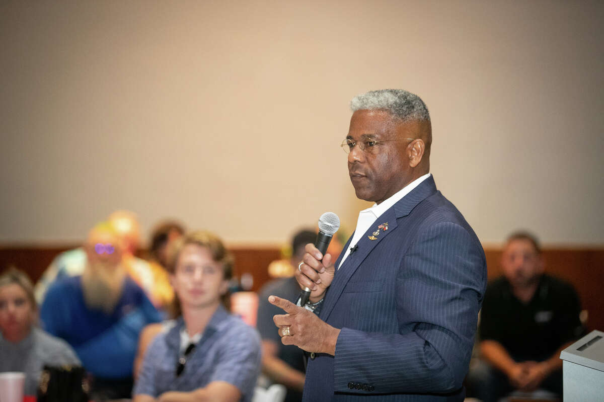 Allen West, candidate for Texas governor, U.S. Army Lieutenant Colonel (Ret.) and Chair of the Texas Republican Party, speaks to west Texans at a luncheon hosted by the Oil and Gas Workers Association, August 25, 2021 at the Copper Rose in Odessa, Texas. West has announced he is leaving his role as GOP state chair to run for Texas governor. Photo Credit: The Oilfield Photographer, Inc.