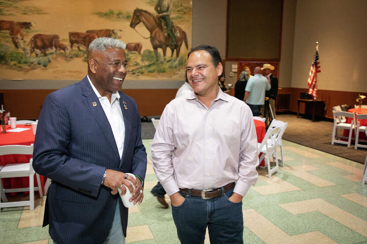 Allen West, candidate for Texas governor, U.S. Army Lieutenant Colonel (Ret.) and Chair of the Texas Republican Party, speaks to Dan Corrales, a candidate for Midland city council, at a luncheon hosted by the Oil and Gas Workers Association, August 25, 2021 at the Copper Rose in Odessa, Texas. West has announced he is leaving his role as GOP state chair to run for Texas governor. Photo Credit: The Oilfield Photographer, Inc.