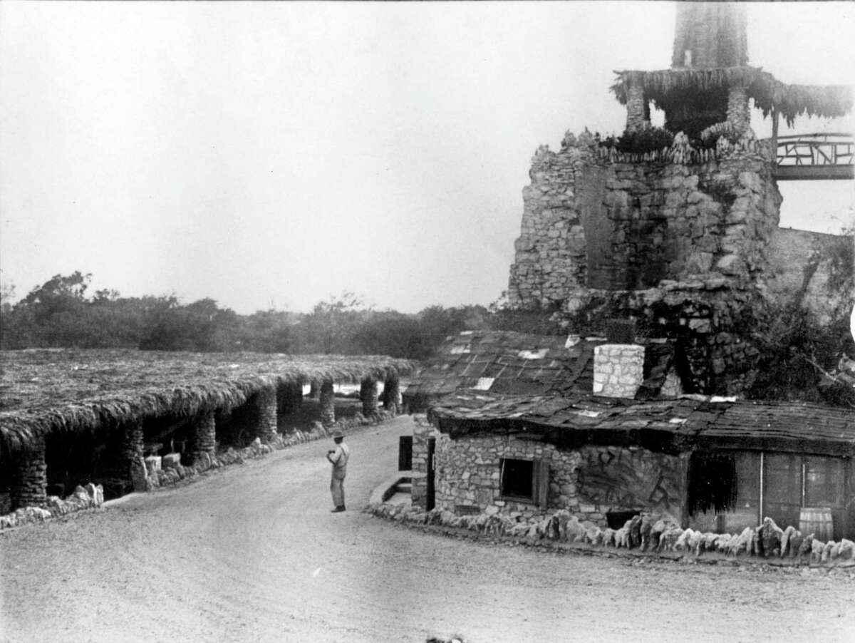 Brackenridge Park's Mexican Village featured handmade crafts and a restaurant. At the time, the buildings had thatched palm-leaf roofs, since replaced by tin.