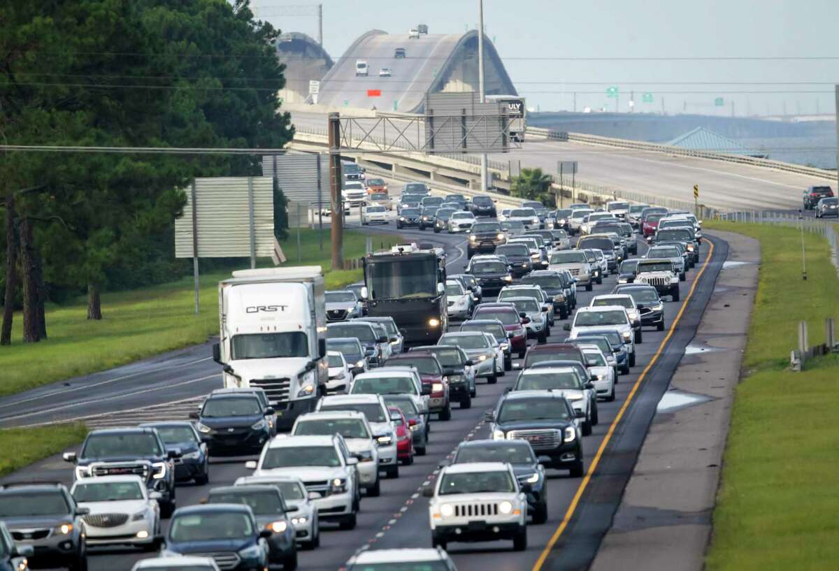 Interstate 10 near Slidell, La., is packed with evacuees heading east Saturday, Aug. 28, 2021, as Hurricane Ida approaches. (Scott Threlkeld/The Times-Picayune/The New Orleans Advocate via AP)