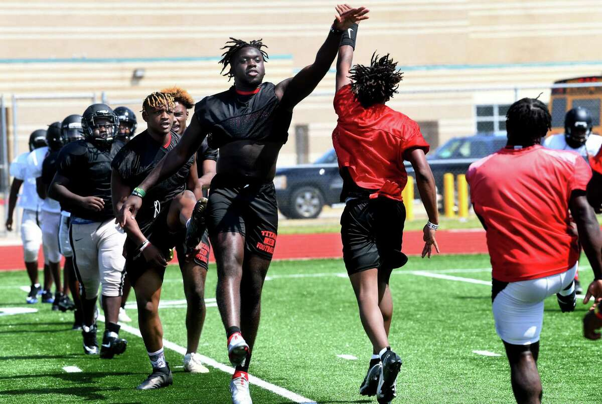 Port Arthur Memorial practices as they prepare for the 2021 season. Photo made Wednesday, August 11, 2021 Kim Brent/The Enterprise
