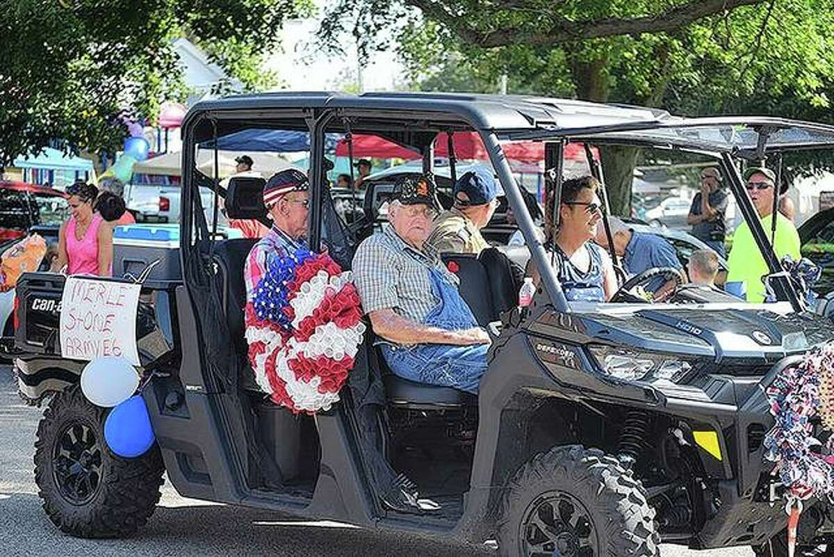 Community members enjoy a parade Saturday that was part of the Waverly Picnic.