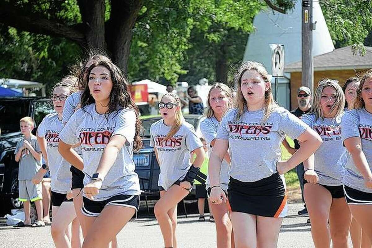 South County Viper cheerleaders perform Saturday during the Waverly Picnic parade.