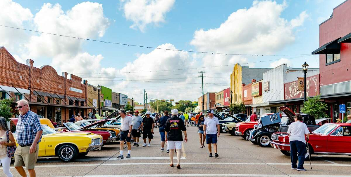 The Fourth Annual Ride to Rosenberg Car Show is slated for Saturday, Sept. 11, in downtown Rosenberg. The event promises classic and modern cars, hot rods, musical entertainment and food trucks.