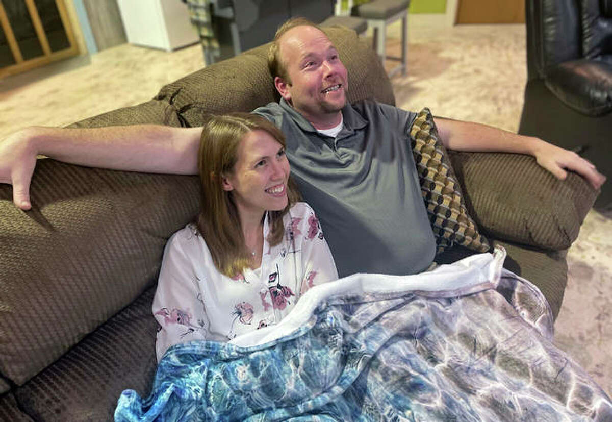 """Megan Kolosieke and Shea Maples are Gloria and Guy in the upcoming Alton Little Theater production of """"Gloria's Guy."""" The production will offer eight shows Sept. 10-20 of the play which inspire us all to be better."""