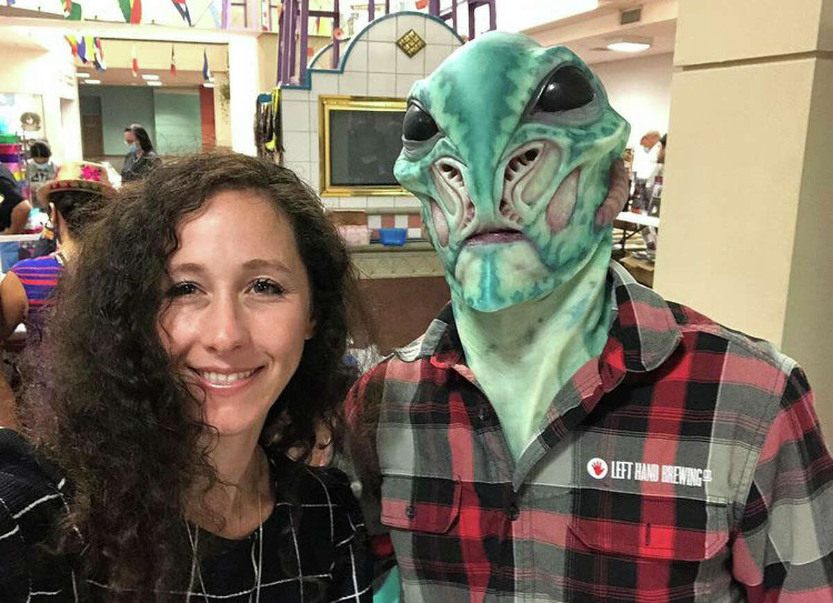 UFO Jane and Glurp, pictured at the Wonderland of the America's 2nd annual UFO Festival, August 2021.