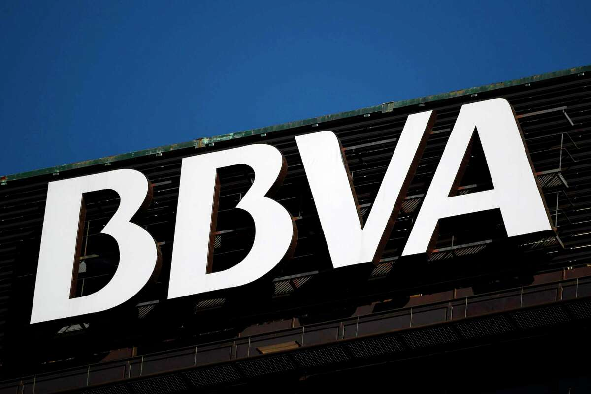 Spanish bank BBVA (Bilbao Vizcaya Argentaria Bank), Spain's second-largest bank, agreed to sell its US unit to PNC Financial Services for $11.6 billion (9.7 billion euros) in one of the largest banking acquisitions since the 2008 financial crisis.