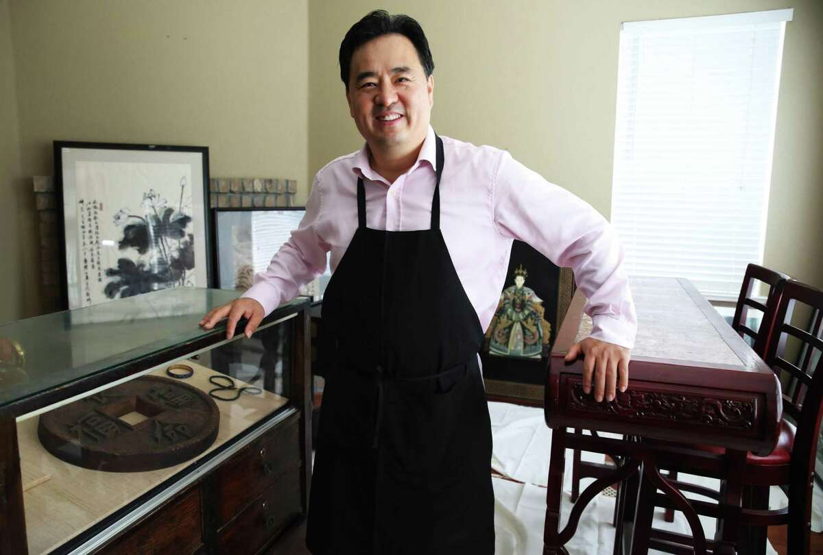 Nee Lau, a restaurateur, kept for more than a decade a decor he believed came from Cecilia Chiang's famous restaurant, the Mandarin.