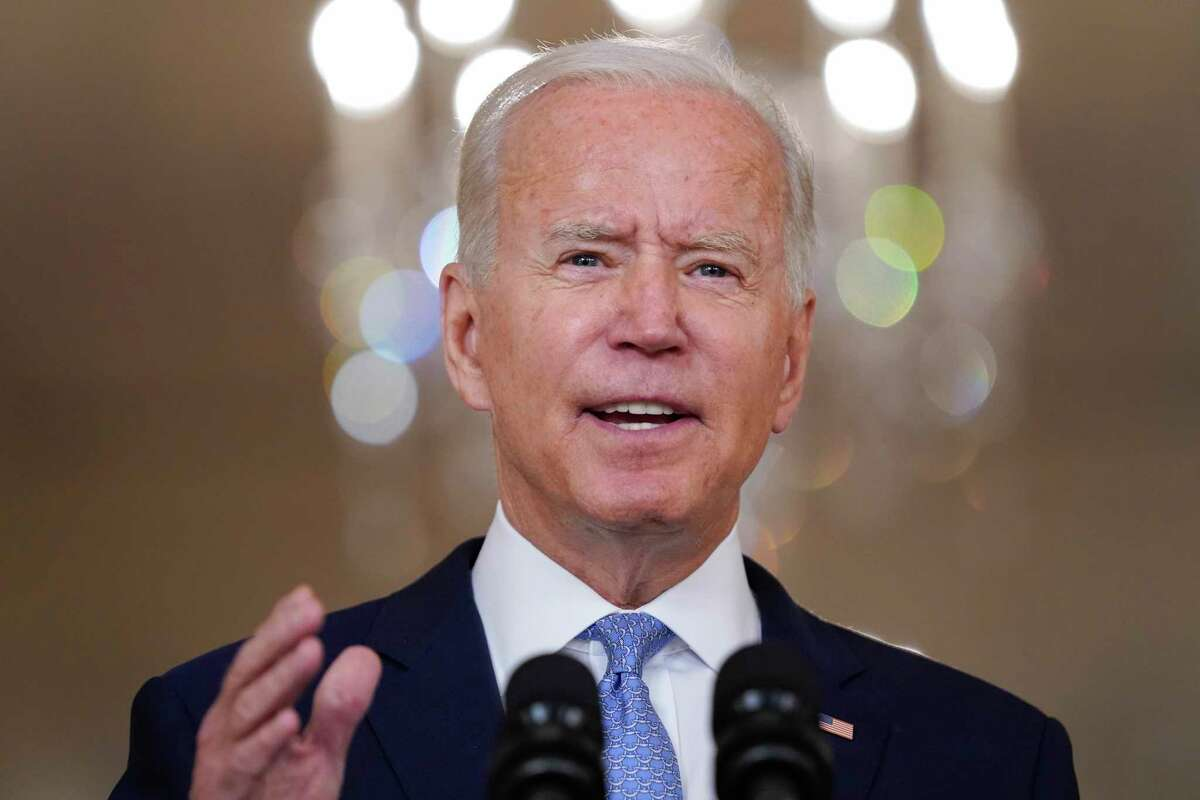 El presidente Joe Biden habla sobre el fin de la guerra en Afganistán desde la Casa Blanca, en Washington, el martes 31 de agosto de 2021.