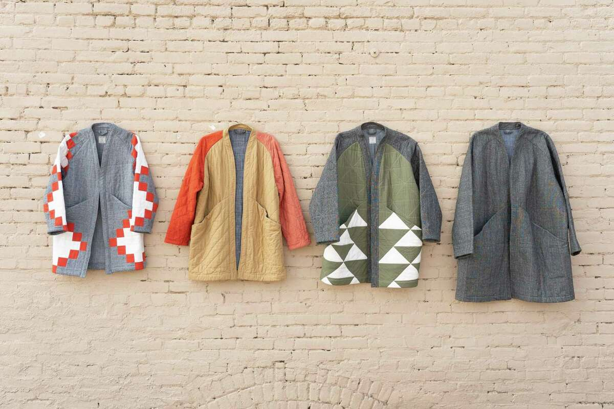 Laura Preston's Vacilando Studios makes decorative quilts and quilted throw pillows, as well asfeature coats, pouches and bandanas.