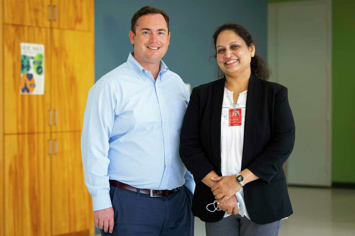Congregational Care Rev. Andrew Wolfe joins Dr. Shainy Varghese at the downtown location of a new clinic featuring nurse-led services and telehealth options on Fannin Street on Monday, Aug. 30, 2021.