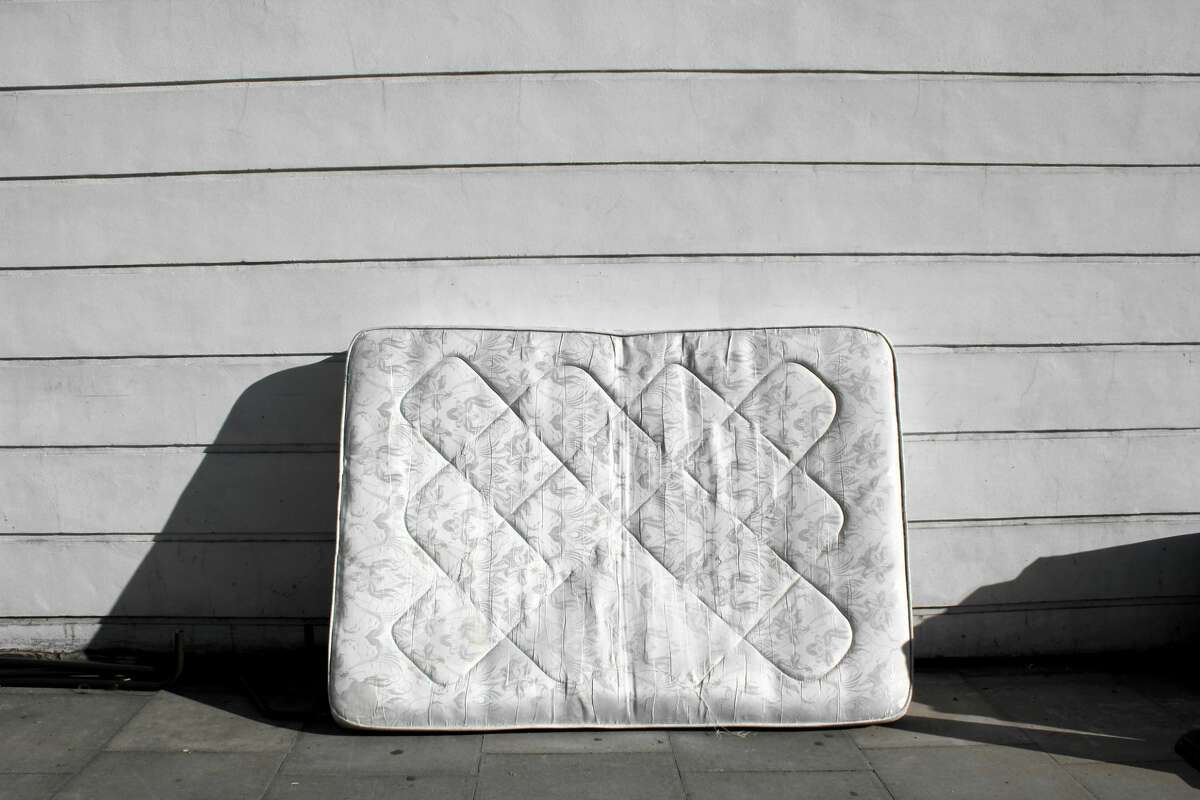 Getting rid of an old mattress is no easy feat - especially if you have an uncooperative landlord.