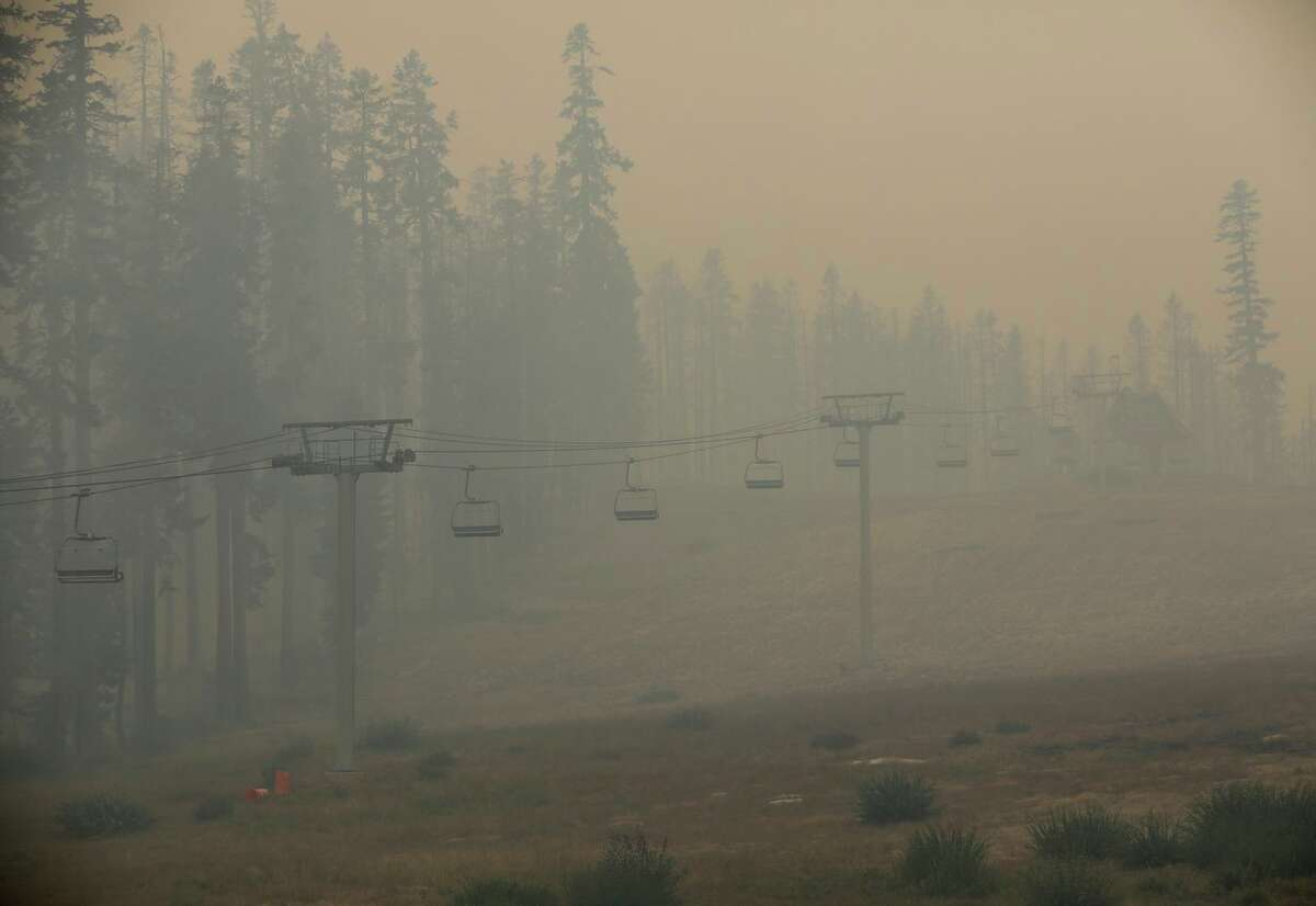 Smoke from the Caldor Fire in the Sierra Nevada and other blazes is creating unhealthy air in the Bay Area.