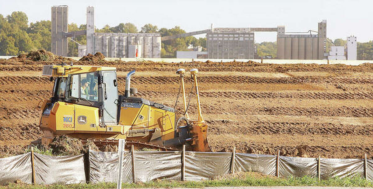Workers have begun a $4.1 million project to raise about one mile of the southbound lanes of U.S. 67 just south of the Clark Bridge in West Alton, Missouri. Bulldozers began tearing up the shoulder area of the much higher northbound lanes Thursday. The work will also include improvements for a safer interchange at U.S. 67 and Riverlands Way.