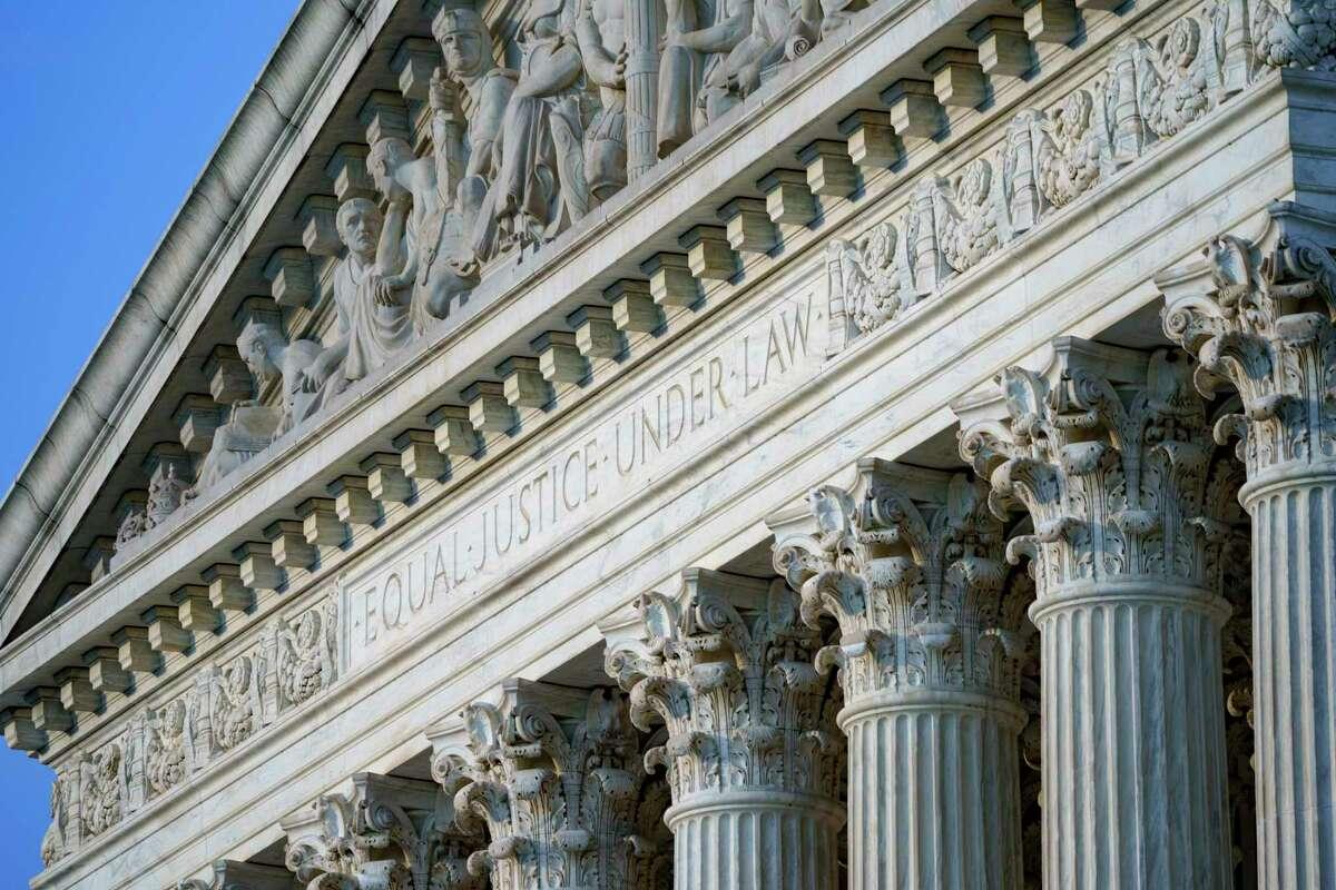 En esta imagen de archivo, tomada el 30 de junio de 2021, vista de la fachada de la Corte Suprema de Estados Unidos, en Washington.