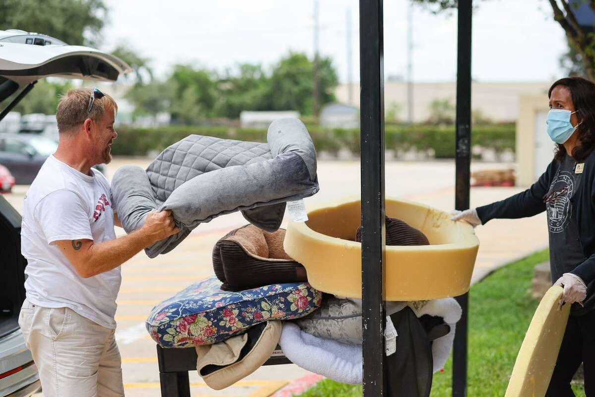 NAM Meals on Wheels recently gave clients beds for their pets