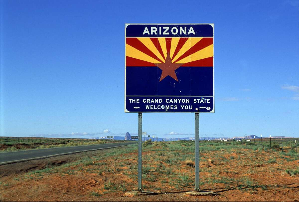 Welcome to Arizona sign, the Grand Canyon State Welcomes You.