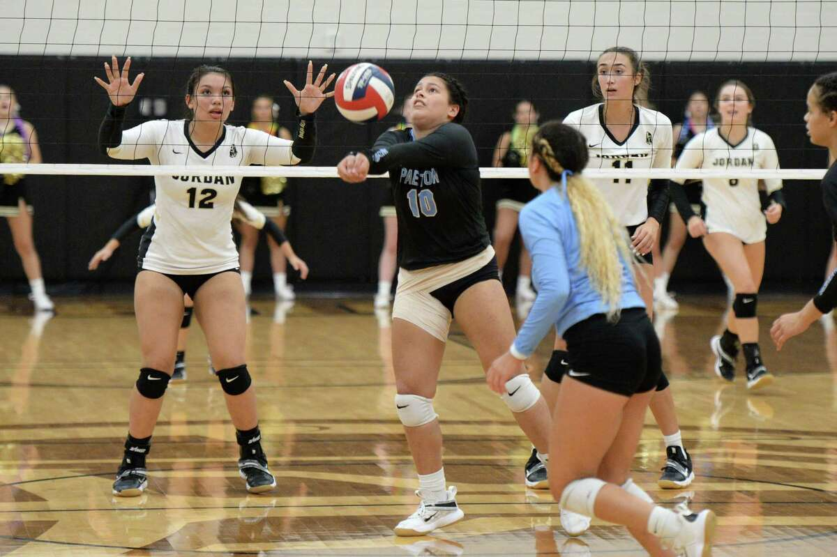 Ilana Rosario (10) of Paetow digs for a ball during the first set of a 5A-III District 19 game between the Paetow Panthers and the Jordan Warriors on Tuesday, August 31, 2021 at Jordan High School, Fulshear, TX.