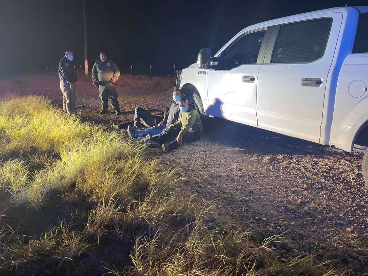 Zapata County Sheriff's Office deputies said they detained a group of migrants who were asking for a ride along U.S. 83.