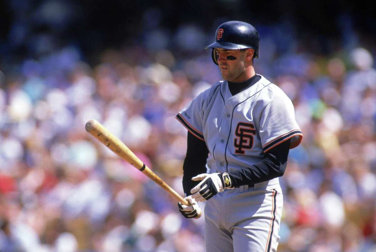 1990: Will Clark #22 of the San Francisco Giants prepares to bat during a game in the 1990 MLB season. (Photo by Andrew D. Bernstein/Getty Images)