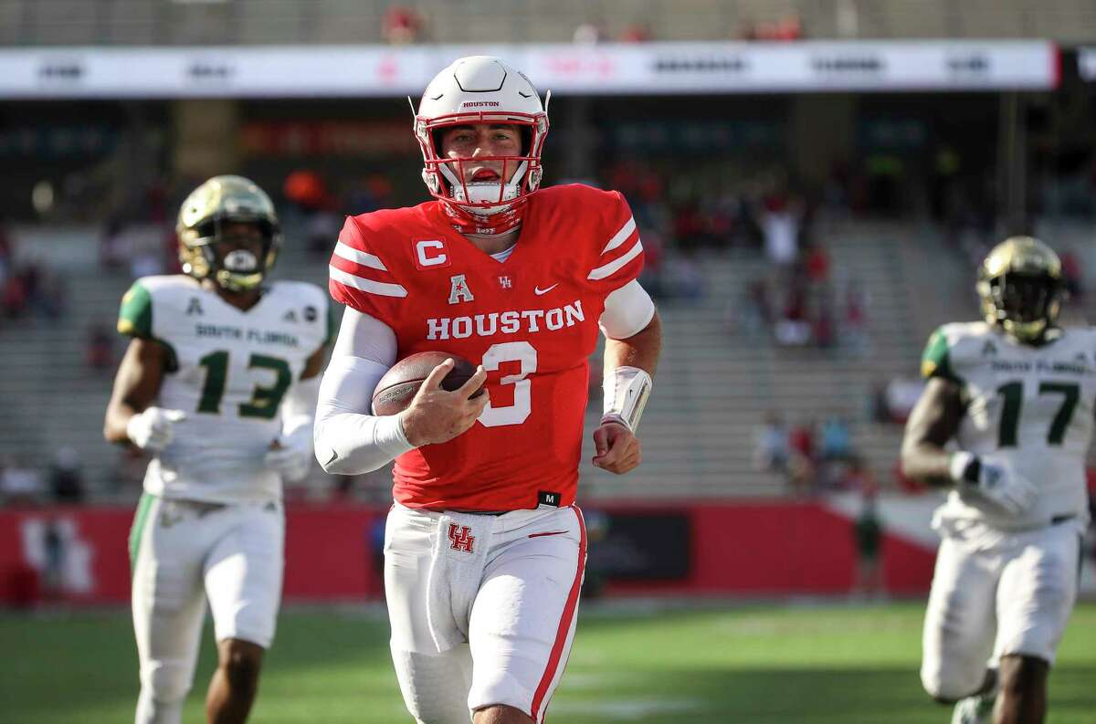 Clayton Tune enters his third season at quarterback for the Cougars.