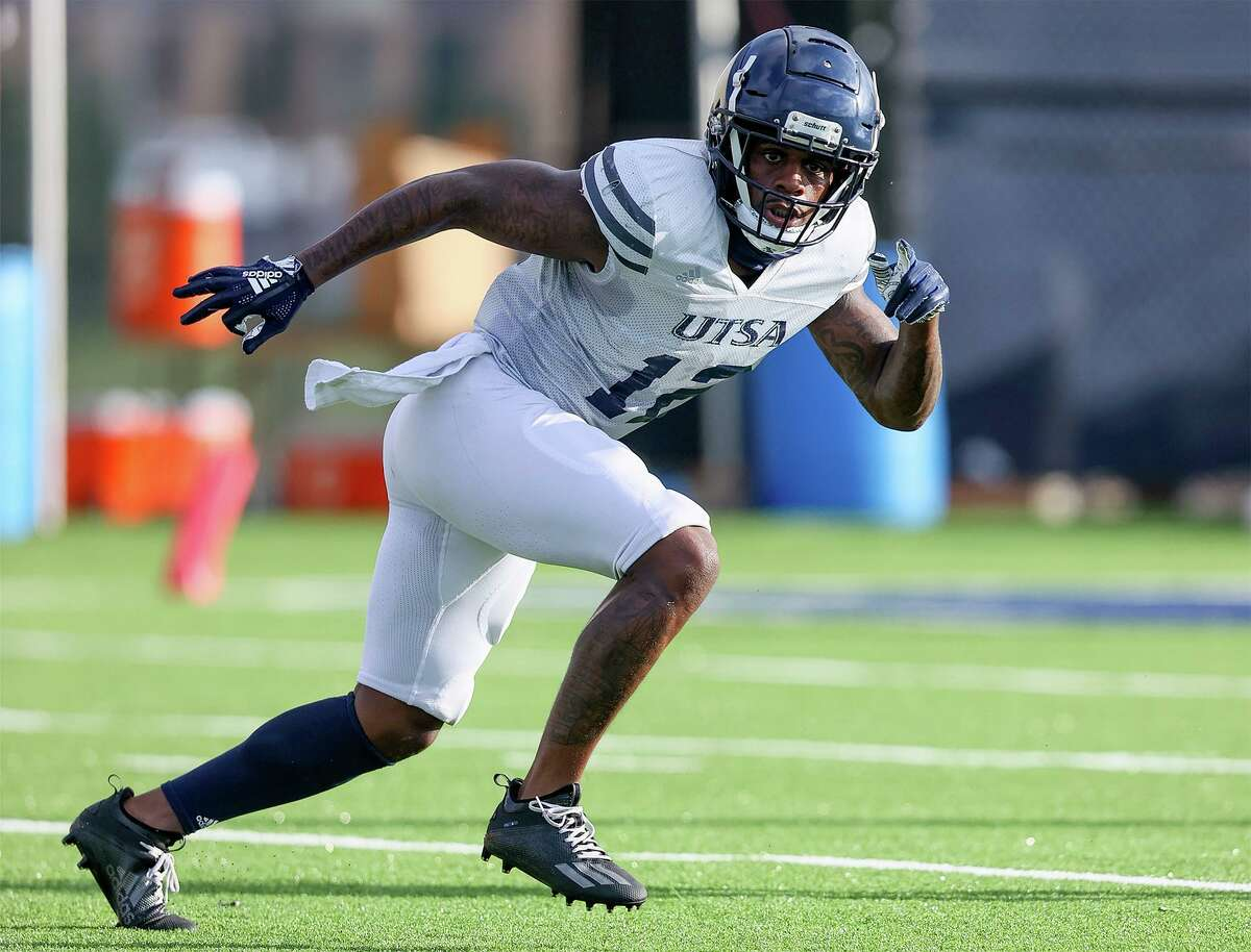 Safety Antonio Parks and UTSA face their first Big Ten opponent in program history against Illinois.