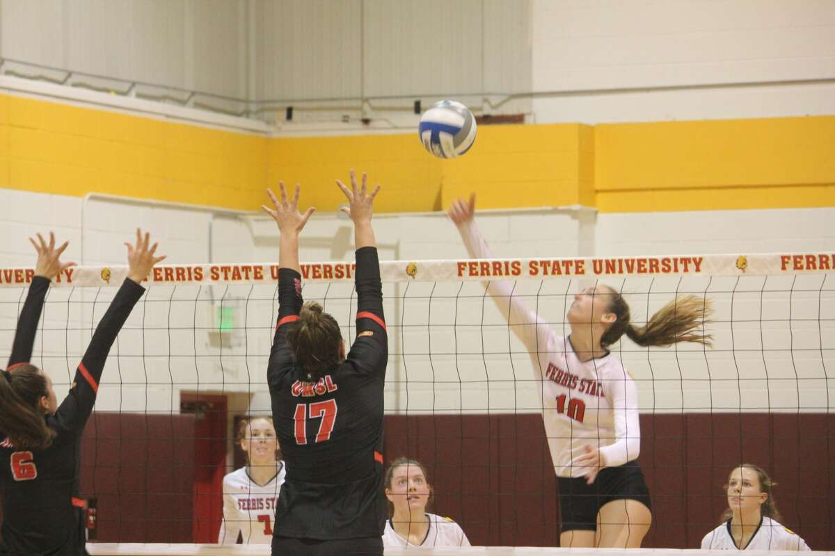Ferris' volleyball team netted its third straight win by topping Missouri-St. Louis on Friday