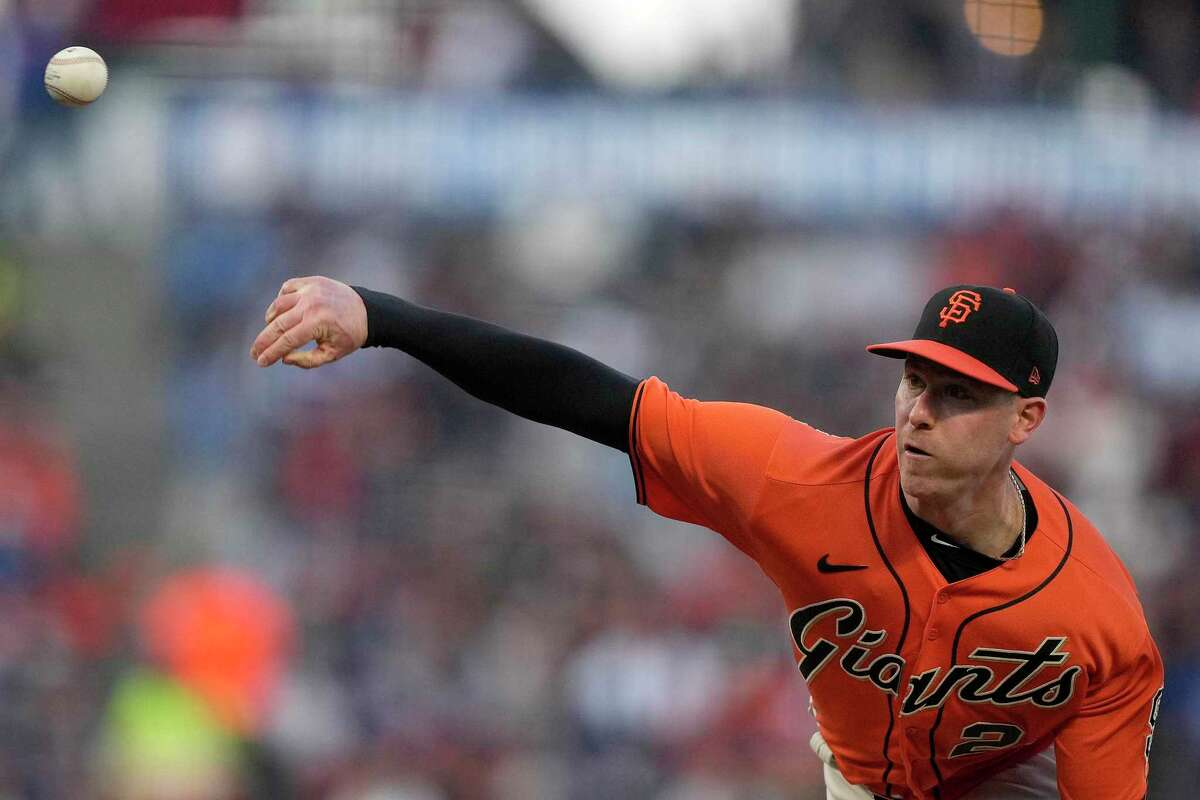 San Francisco Giants starting pitcher Anthony DeSclafani throws to a Los Angeles Dodgers batter during the first inning of a baseball game Friday, Sept. 3, 2021, in San Francisco. (AP Photo/Tony Avelar)