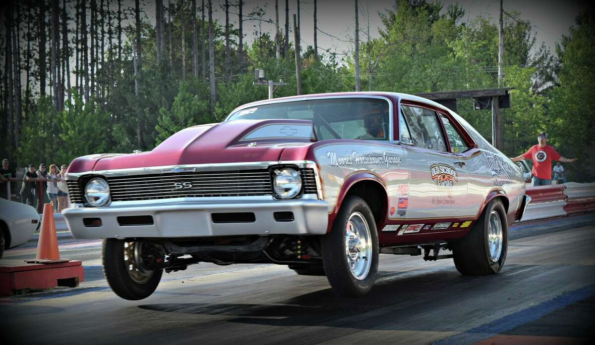 Martin Moore takes off in his 1971 Chevy Nova SS.