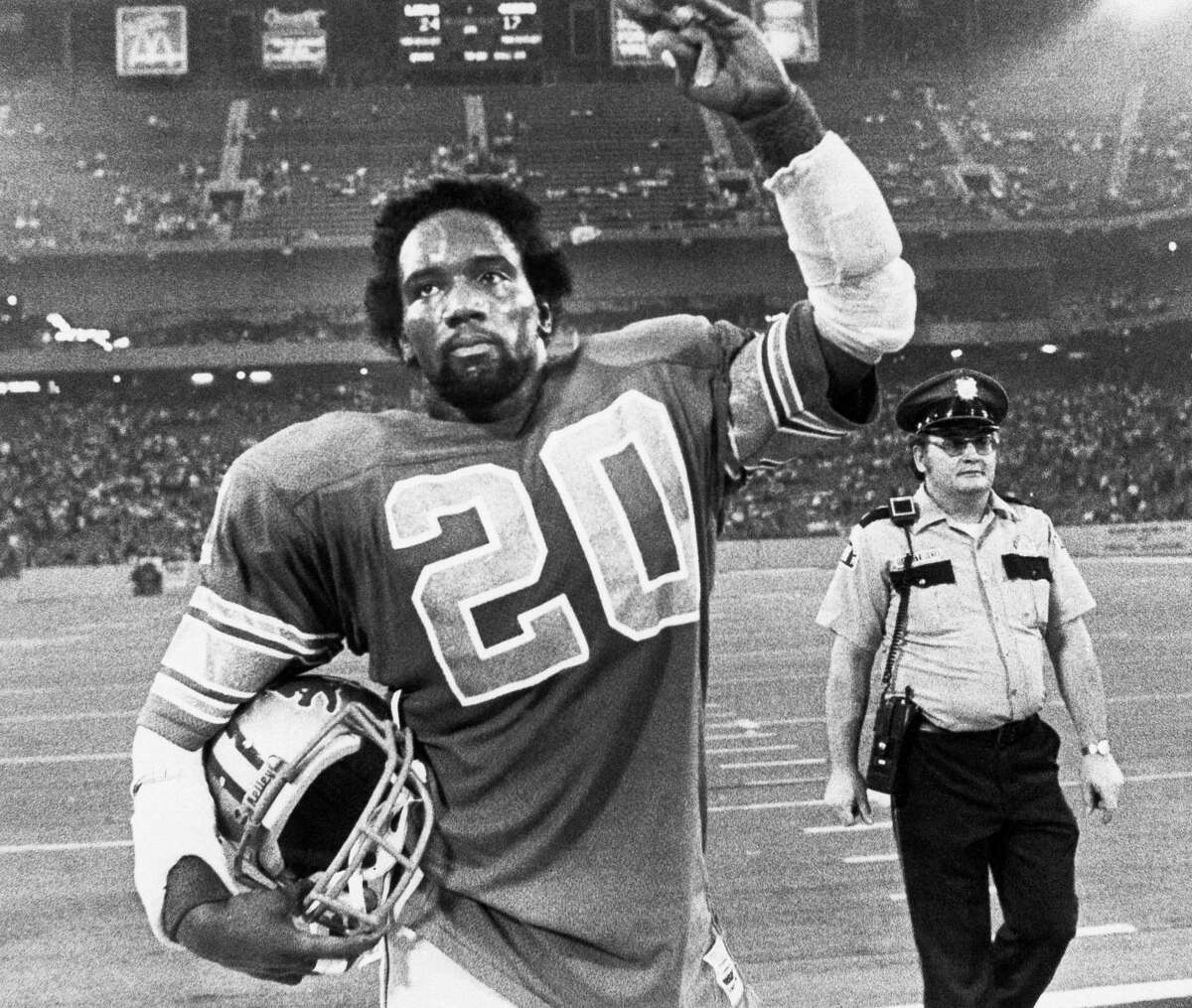 Detroit running back Billy Sims waves to fans after the Lions' 24-17 defeat of the 49ers in Week 1 of the 1981 season. Sims scored two touchdowns, including the game-winner with 18 seconds to play.